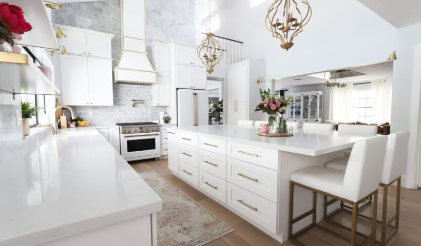 Stylish Cabinet Ideas for Your Cafe's Kitchen